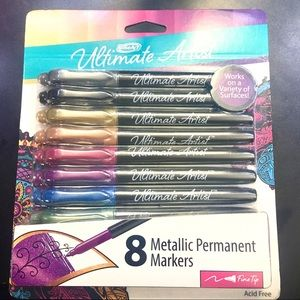 NWT Package of 8 metallic markers for scrapbooking